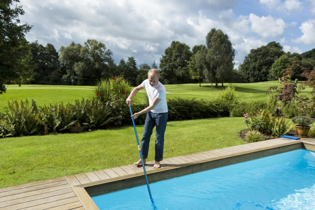 professional pool cleaning services